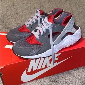 Nike Huarache Gray/Red - Size 6.5 Youth